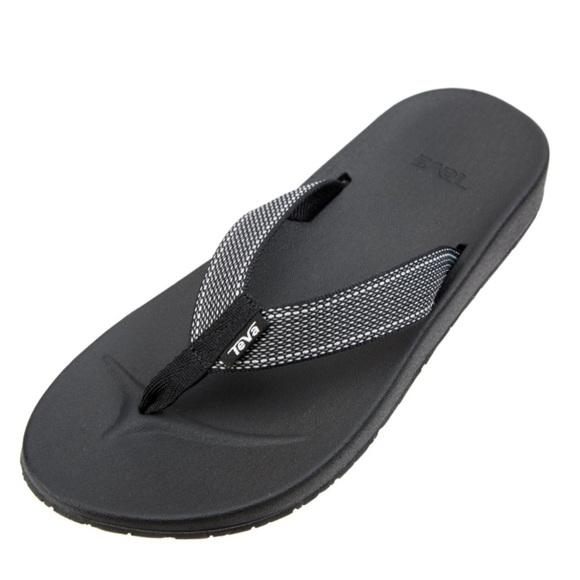01fd3903a40e NWT Teva Azure Flip Women s Avalon Black Size 8